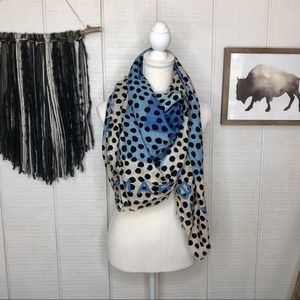 Marc Jacobs spotted scarf